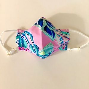 NEW Lilly Pulitzer Pink Face Mask